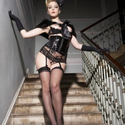 Annette Schwarz in 'Harmony' The Party (Thumbnail 11)
